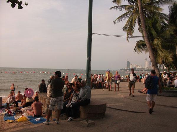 Treffpunkt Beachroad-Promenade zum Sunset