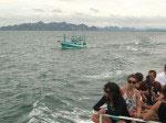 Schwere Heckwellen machen den Fischerbooten zu schaffen
