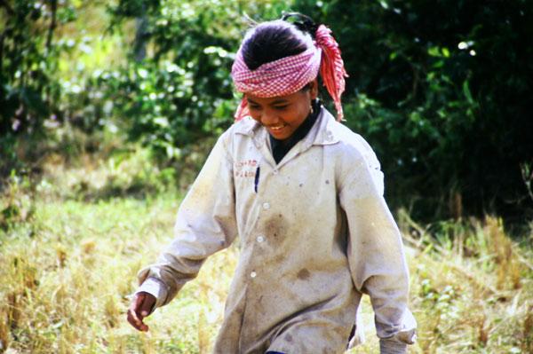 Ohne laotische Helfer geht hier gar nichts