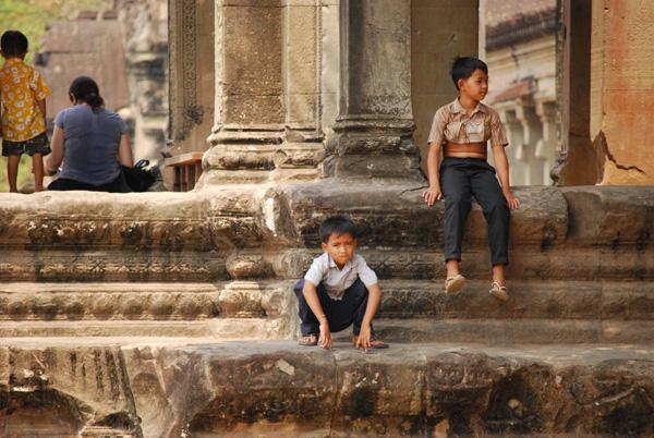 Die Kinder gehören zum Tempel