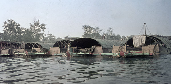 1975. Bangkok. Hausboote