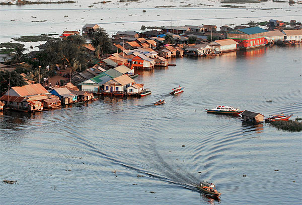 Schwimmendes Dorf im Tonle Sap