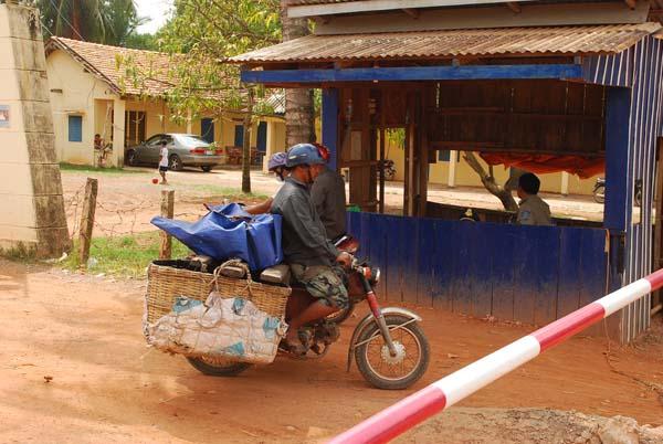 Grenze. Ausreise nach Kamboscha