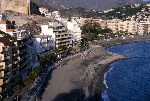 Hochhäuser an der Küste