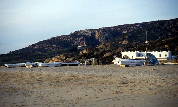 Strand, Boote und Ort