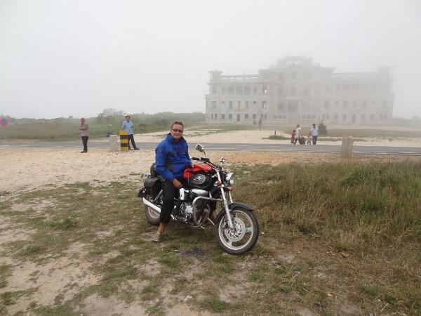Bokor. Casino im Nebel