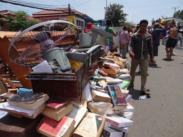 Bücher aus dem Buchladen. Vorläufig gerettet.